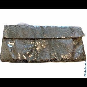 Beautiful gold clutch from style and co!